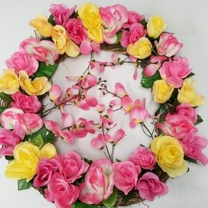 Large Pink And Yellow Roses With Wisteria Wreath